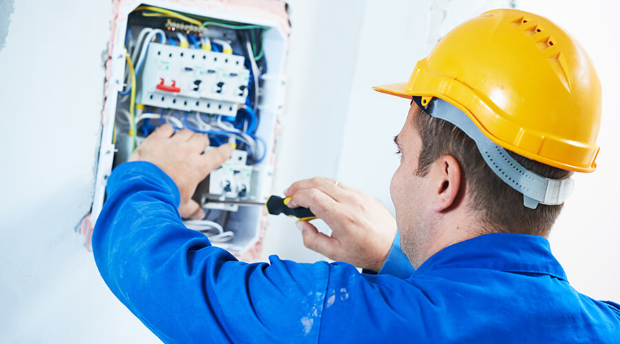 electrician fixing