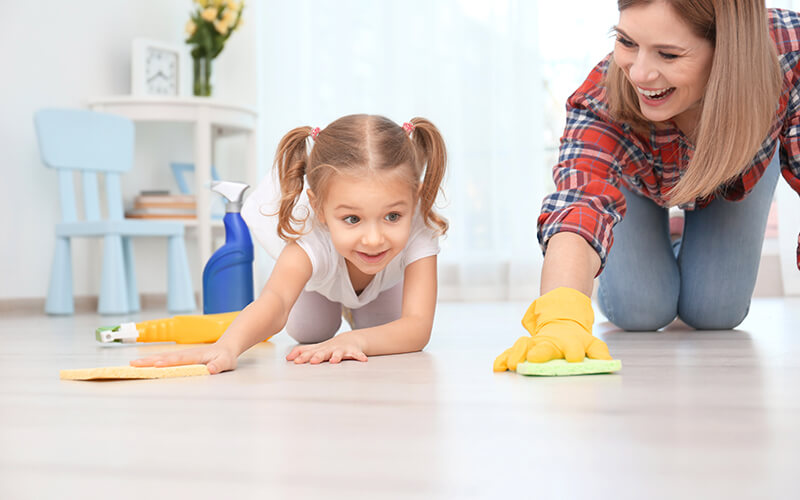 mother and daughter cleaning 1